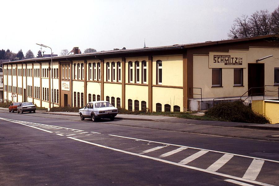 1975: Umzug in die Friedrich-Ebert-Straße