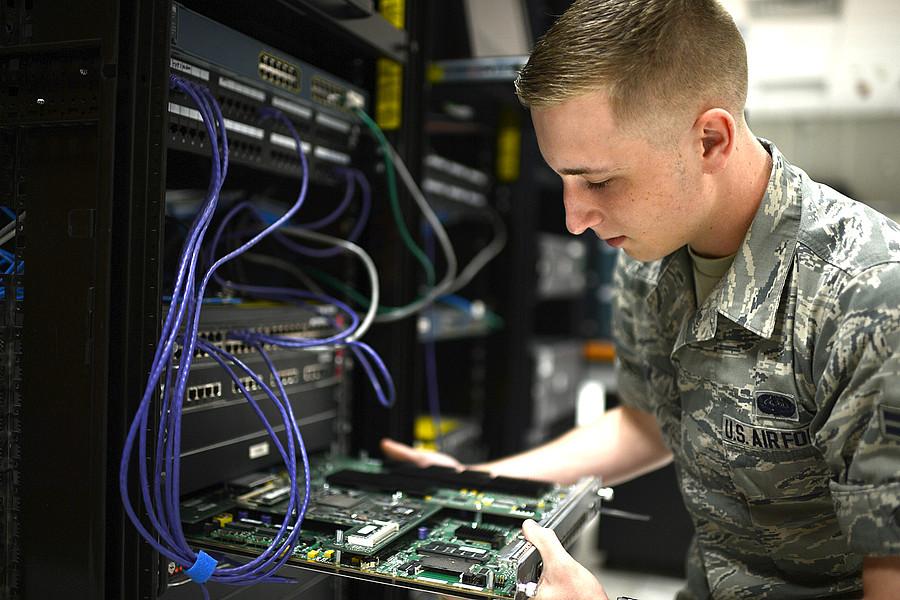High Security Server - 19-Zoll Server für militärische Anwendungen