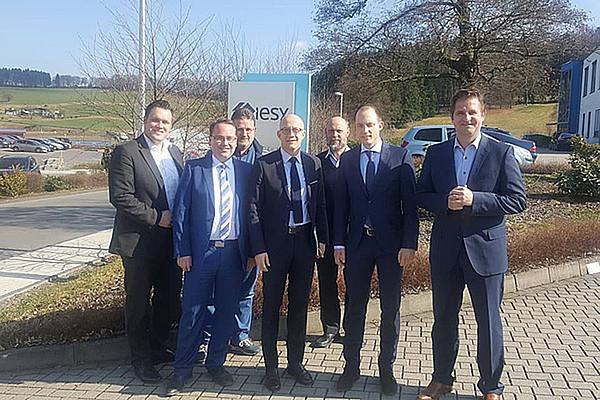 Zu Besuch bei iesy - Zweiter Besuch von Ralf Schwarzkopf, CDU-Landtagskandidat